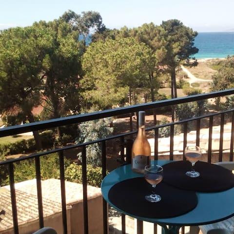 Bonito apt vistas al mar & balcón
