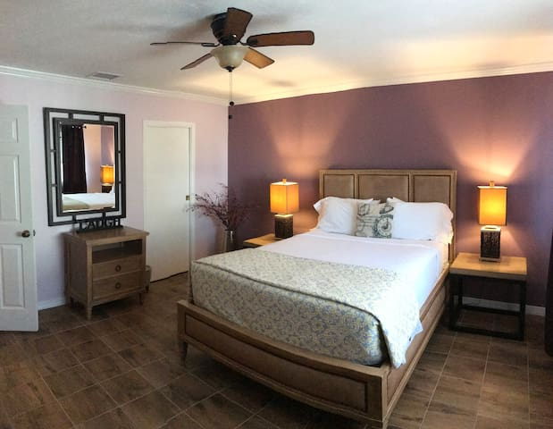 Old Town Suites - 2 Bedroom Suite #2