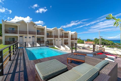 Amazing 2BR Townhouse w/Pool, FREE BEACH Shuttle, Beach Club Montego Bay #1