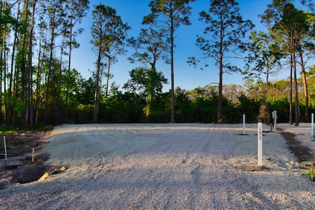 Easy Access RV Campground Beach and Bay Close