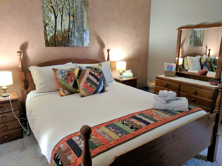 ★The Ochre Room in Sale★Cosy Home★Easy parking★