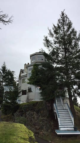 Whale Pod Chalet at Oaks Bluff - Pender Island - House