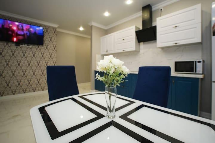 3х комнатная квартира ЖК Лазурный.  Пугачёва 49