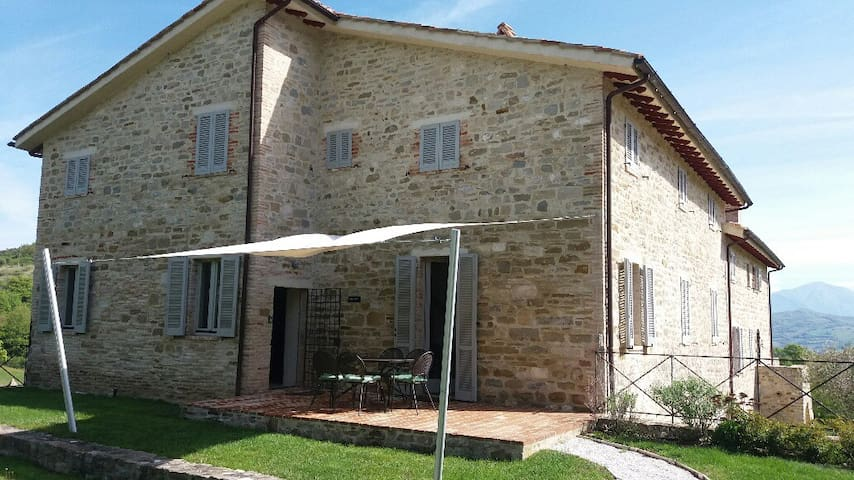 Award winning property in the hills near Gubbio