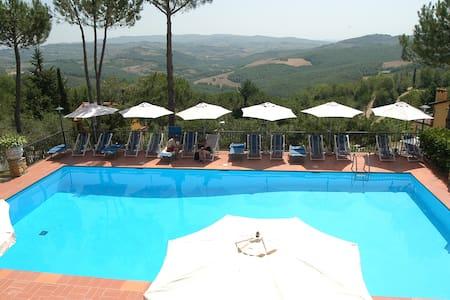Appartamento per coppie nella natura Toscana -ROSA - Tavarnelle Val di Pesa