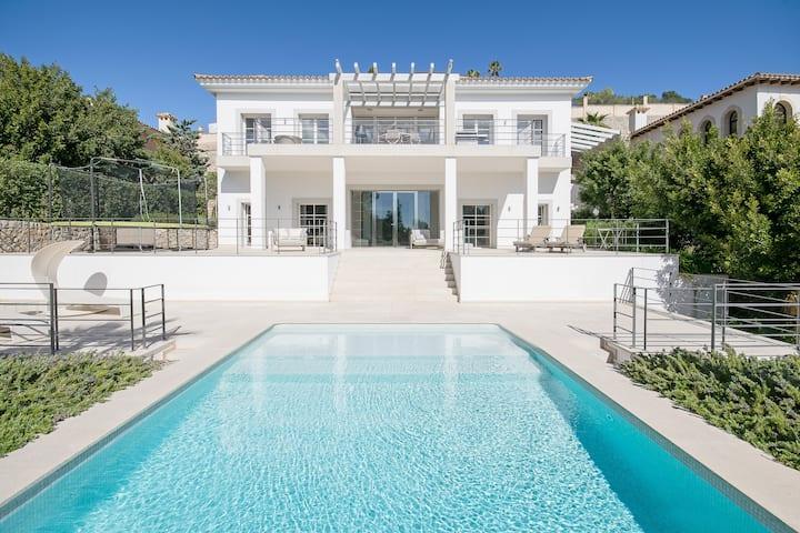 Luxeriöse Ville mit fantastischem Blick auf Palma