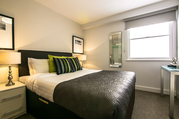 Piccadilly Two Bedroom Apartments - Manchester - Apartment