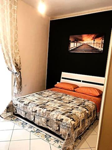Bedroom near historic center and piazza Garibaldi
