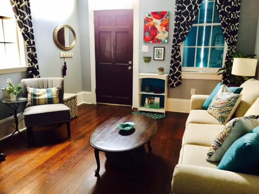 NEW ORLEANS THEMED LIVING ROOM