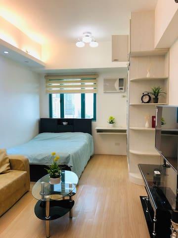 Fully furnished condo, cable/WiFi @ Shine, Ortigas
