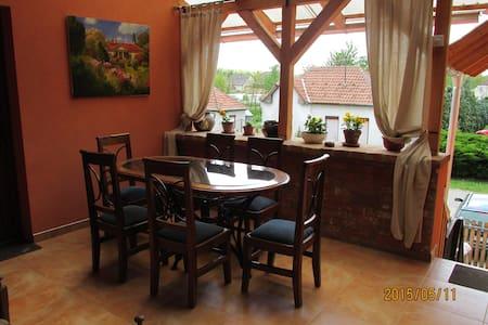 Patakpart Apartmanház - Egerszalók - Rumah