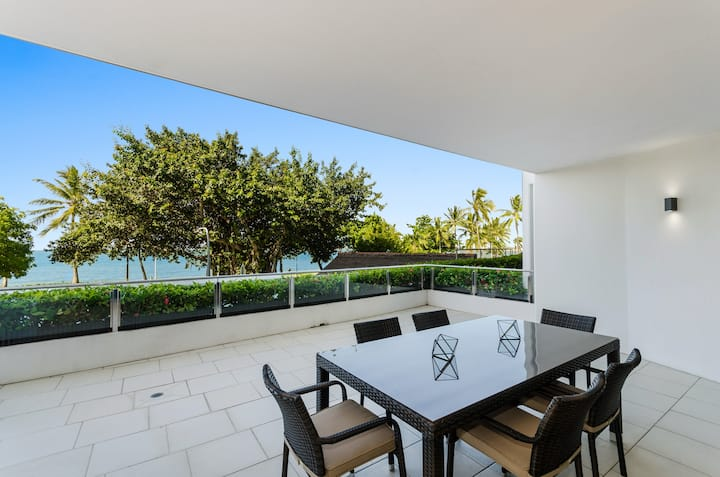 Relaxed Luxury with Ocean Views and Sea Breezes