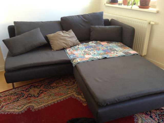 Room in Sunny Shared Apartment Friedrichshain