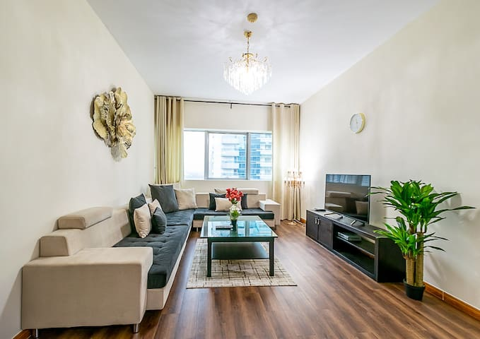 1BR Sophisticated & Stylish | The Heart of Marina