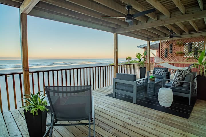 Oceanfront living on Indian Shores Beach