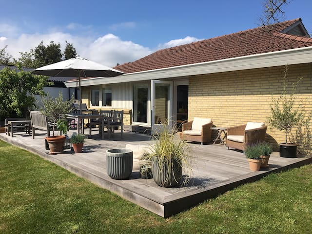 Lovely house near the sea - only 25 min to Cph