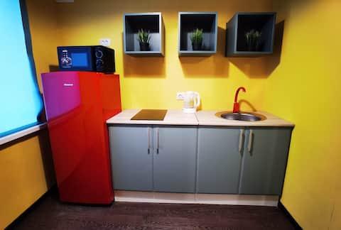 Яркие сочные апартаменты Калина на Заводской 4