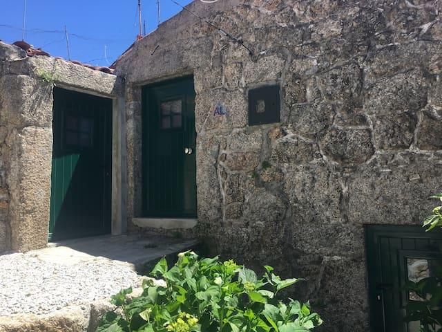 Casa do Penedo - Serra da Estrela
