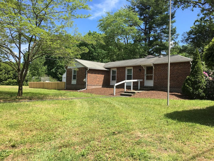 Perfect pet-friendly extended stay house