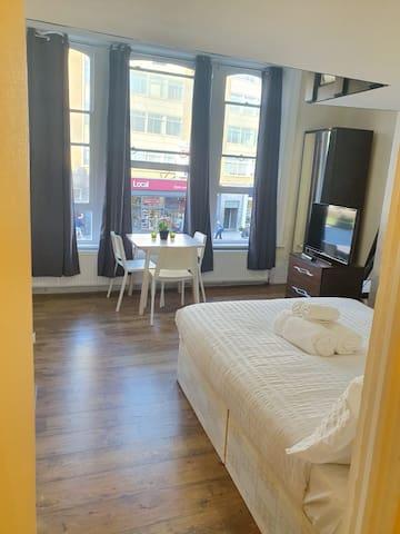 2***2 Eurostar Camden Town Apartment