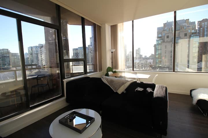 Cozy Downtown Living! - Central DT!