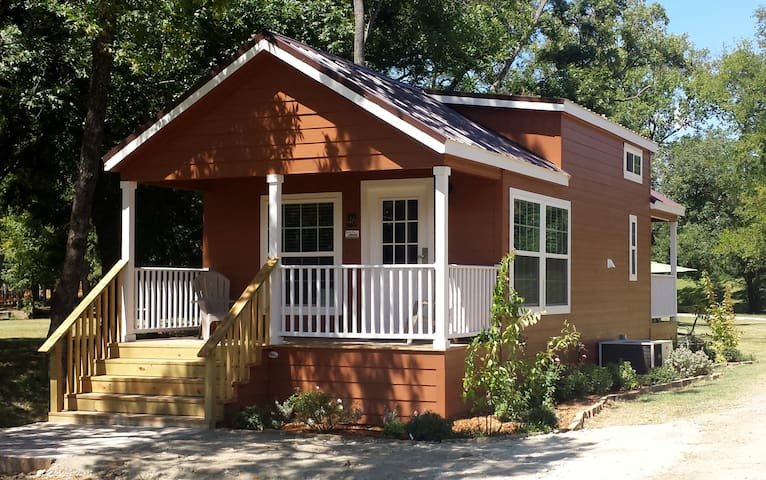 Red Rover Cottage at Mill Creek Ranch Resort
