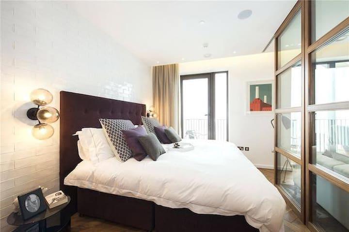 Luxury Riverside Penthouse 2bedroom