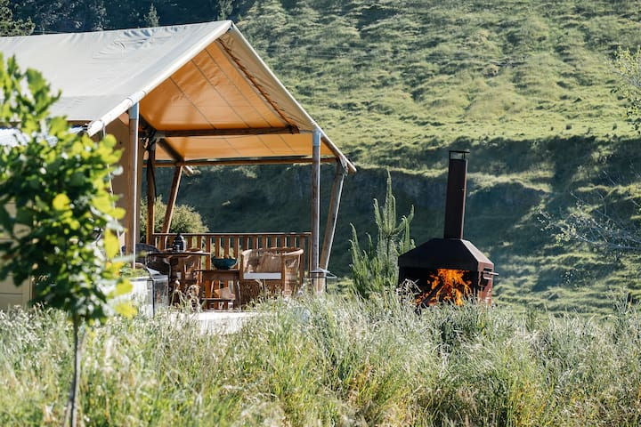Luxury glamping 5 mins from the beach and wineries