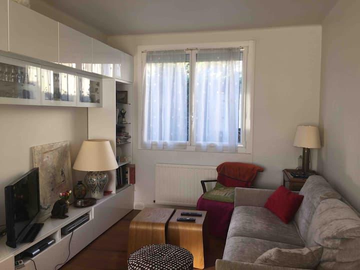 Chambre privée dans une maison, proche du metro