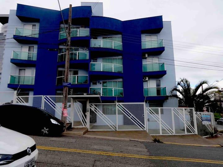 Apartamento  Aconchegante Condomínio inteiro