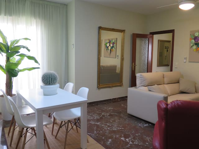 Apartment with parking in the center of Antequera - Antequera - Huoneisto