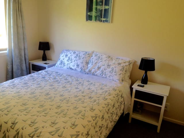Hunters Moon B&B Farm stay - Mosgiel - Bed & Breakfast