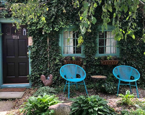 Charming Clintonville Cottage
