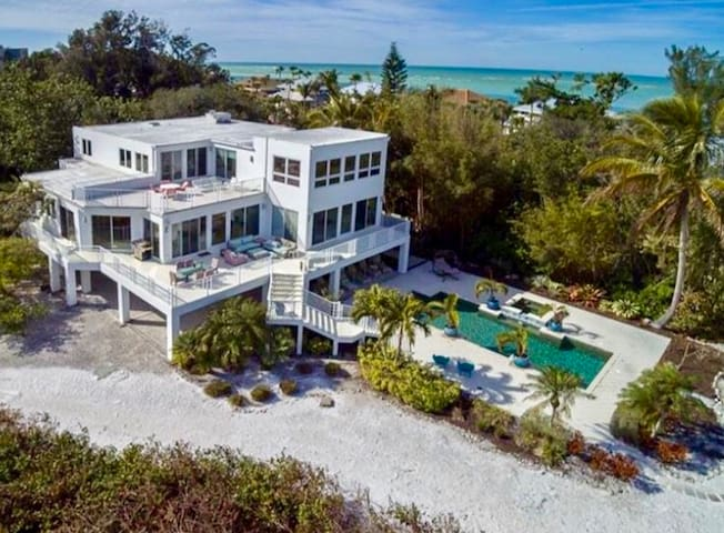 Luxurious, Resort Style, Secluded Home on the Gulf