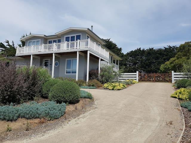 Tullynear - Flinders Beach House
