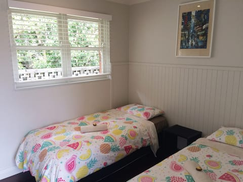 Second Bedroom in Manly self contained house