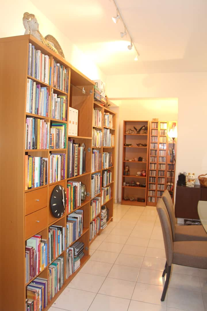 Cheap, Amazing Location for 1-3 weeks, SuperHost