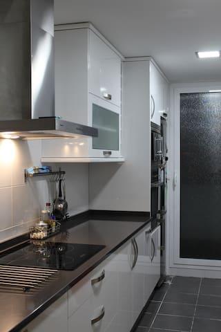 Piso de nueva construcción con mucha luz natural - Tres Cantos - Apartamento