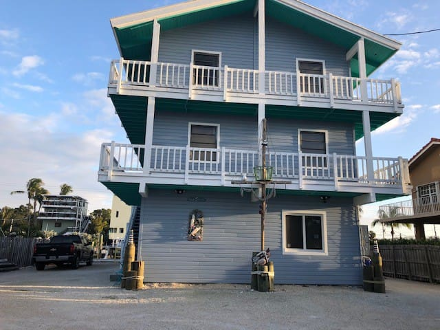 Water Front Location w/Dock Apt 2nd Floor
