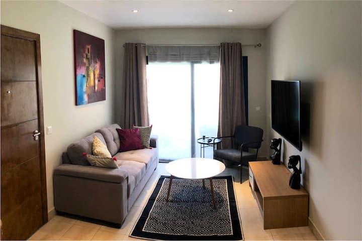 Bright & Modern Apartment  w/ •Pool•Patio• etc..