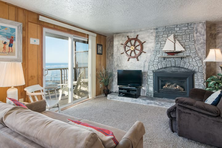 Tide Pool-Oceanfront, balcony, kitchen, fireplace