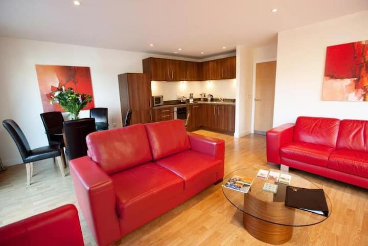 Essential Travel Only: Chic Apartment One Bedroom At Birmingham