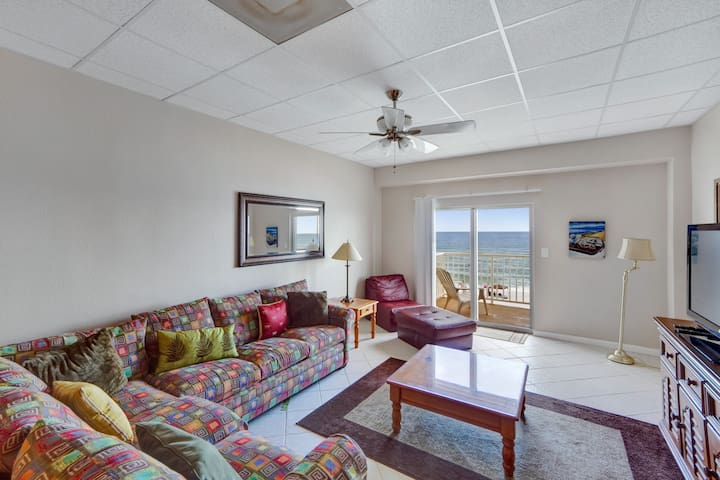 GULF-FRONT 1 BEDROOM - SANS SOUCI 307.3rd floor condo.Free WiFi.Swimming Pool