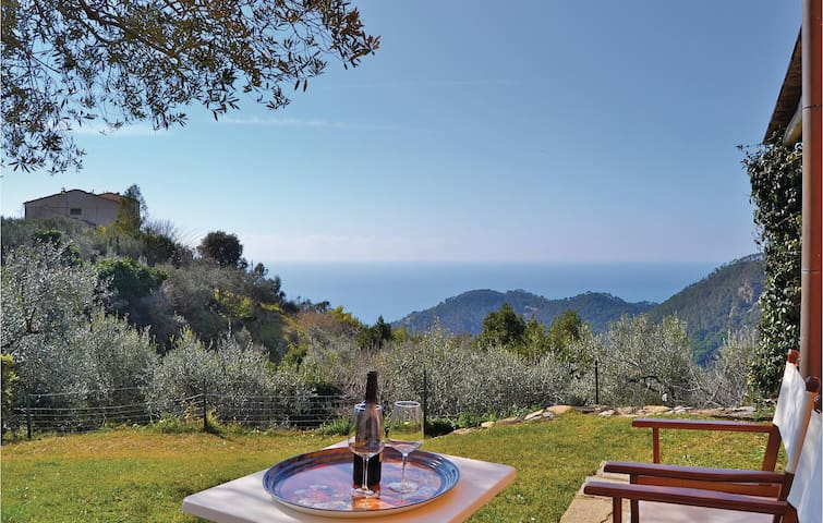 Holiday cottage with 2 bedrooms on 40 m² in Bonassola SP
