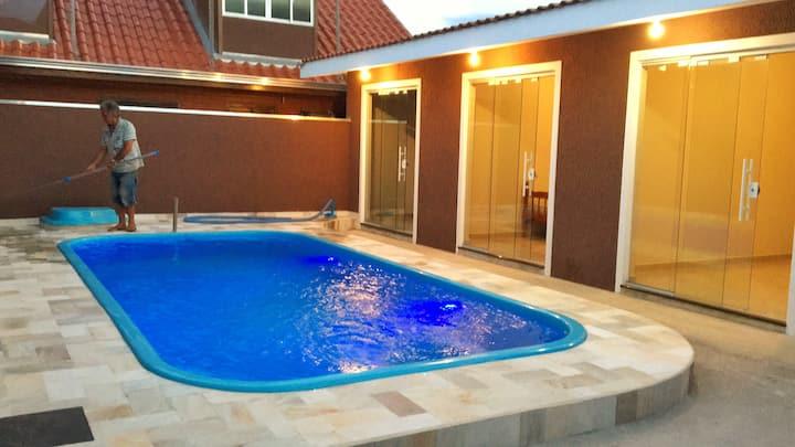 Casa com Piscina em Ipanema-PR