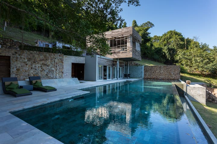 Villa des Palmes in Kep - Kep Beach - House