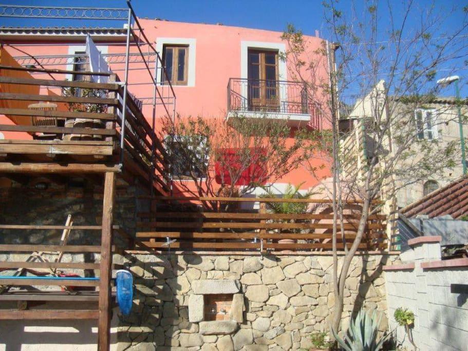 Borgo al Costa Casa No. quattro - mit großer Holzterrasse, Pool, Sauna, Garten, Grillstation
