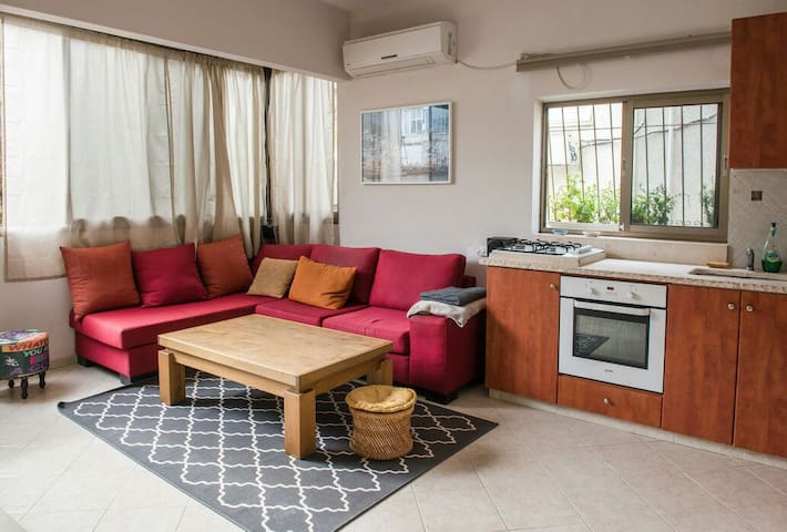 Spacious apartment/2 Br+Living Room/Best location