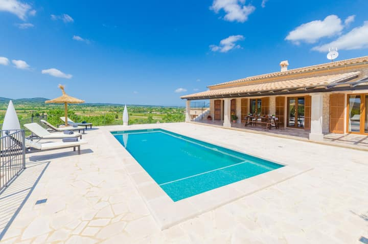 SON ROCA - Villa with private pool in Montuïri.