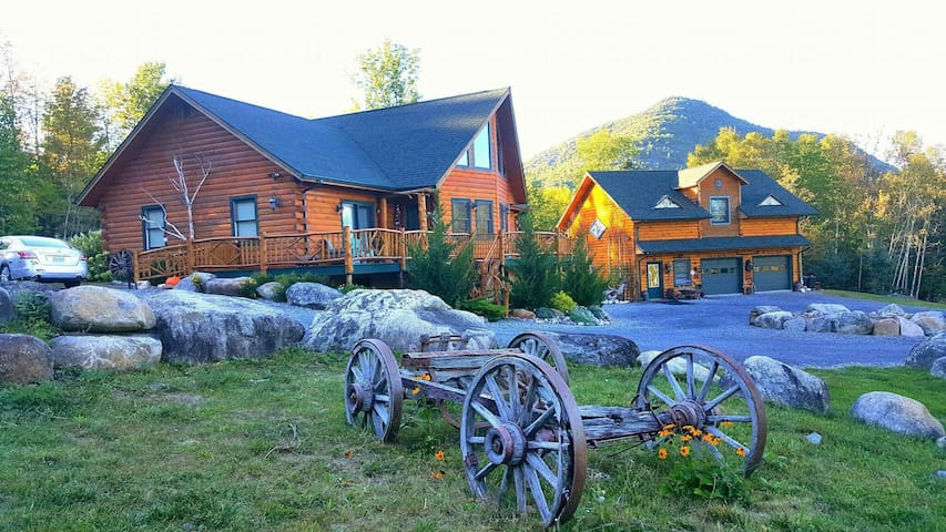 Rustic Adirondack Log Home Retreat - Jay - Hus
